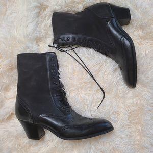 Dingo Granny boots leather/lace up 10M